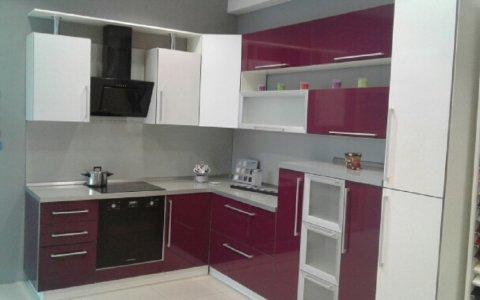 Продажа выставочного образца кухни ЗОВ из пластик Фиалка/Снежный