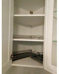Сушка для посуды в угловом шкафу